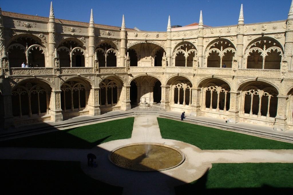 ポルトガルの世界遺産:リスボンのジェロニモス修道院とベレンの塔