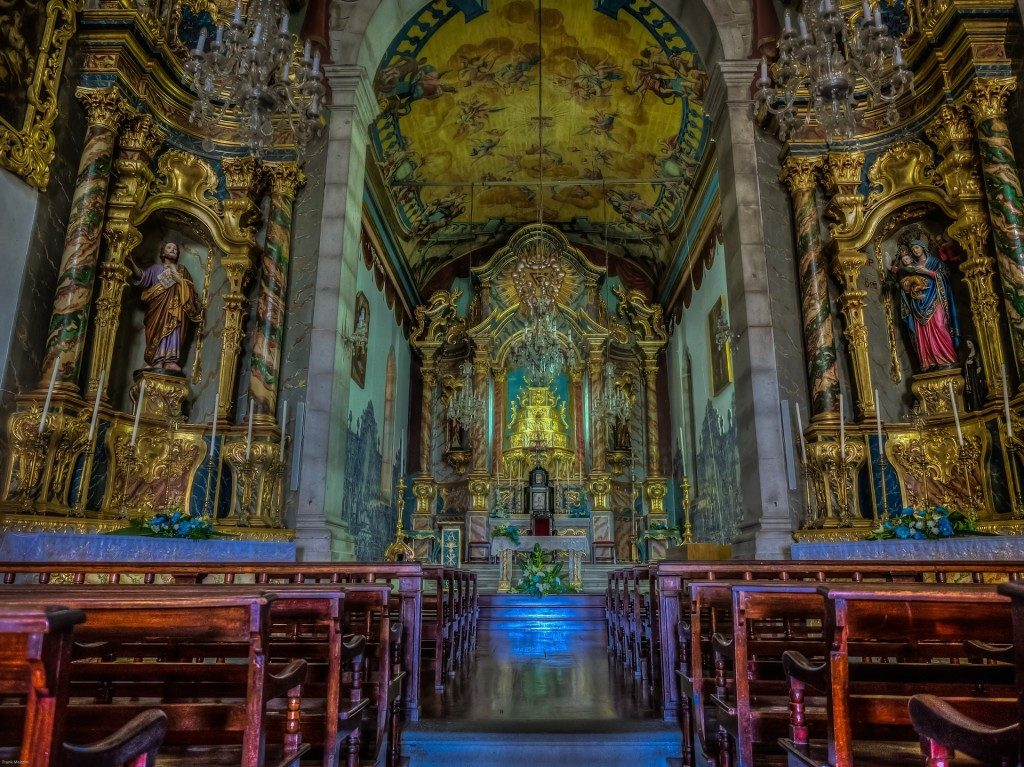 church-madeira-1397945_1920