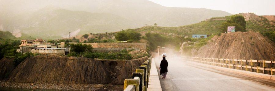 インドとパキスタンの陸路の国境で入国