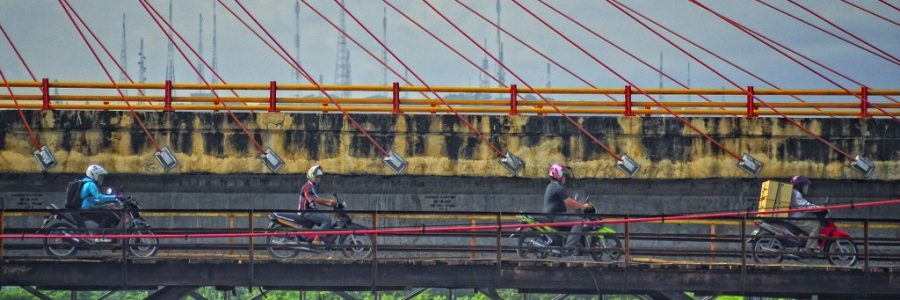 インドネシアと東ティモールの陸路の国境で入国