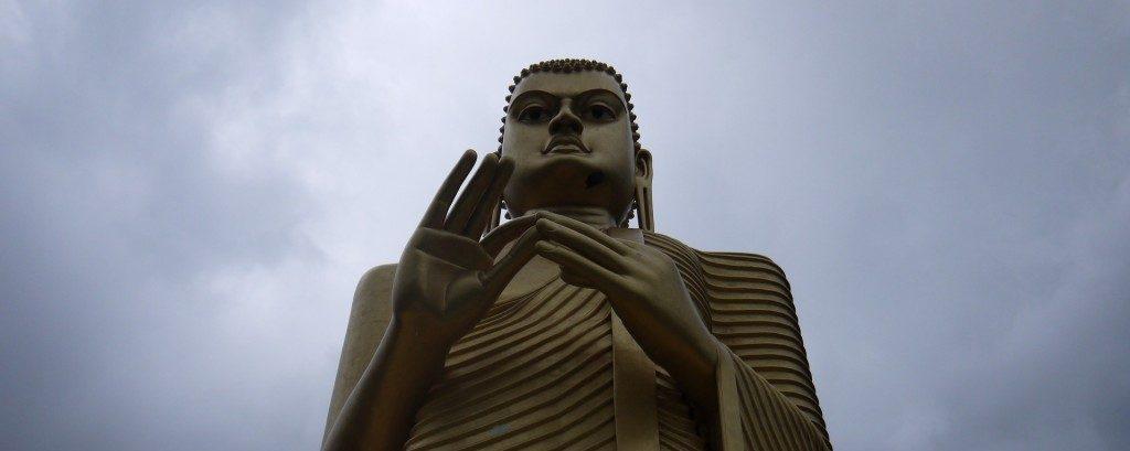 スリランカの世界遺産・ダンブッラの黄金寺院