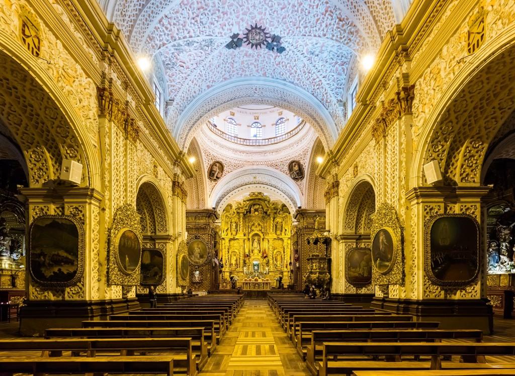 エクアドルの世界遺産:キト市街の教会