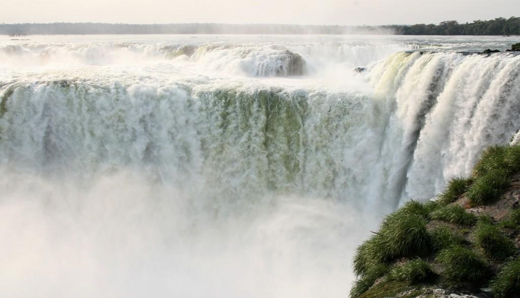 アルゼンチンとブラジルの世界遺産:イグアスの滝