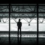 航空券代の他にかかる空港税や燃料サーチャージって何?
